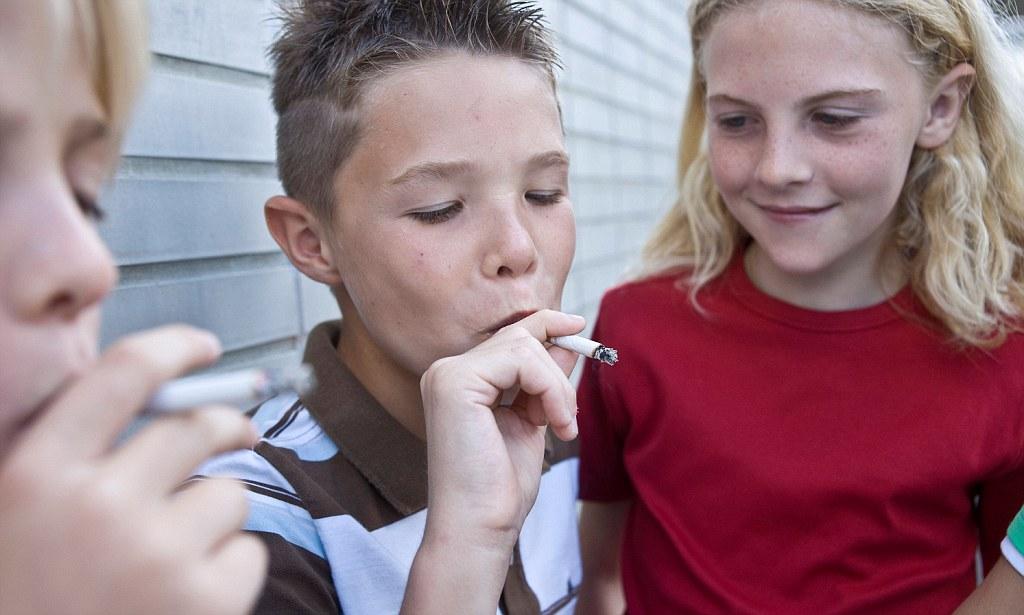 Как отучить ребенка от курения