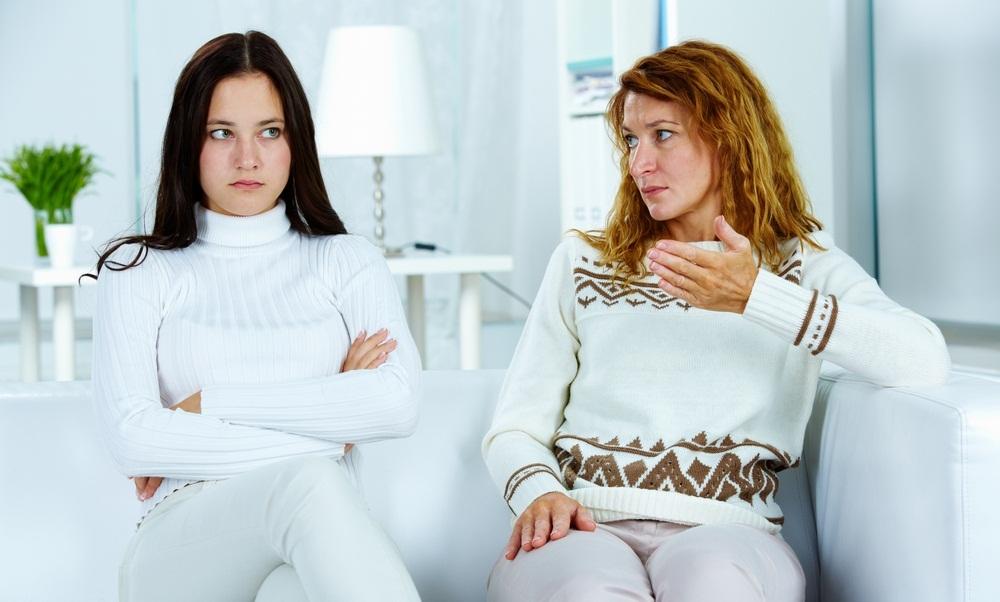 5 ошибок в воспитании подростков, в которых признались родители