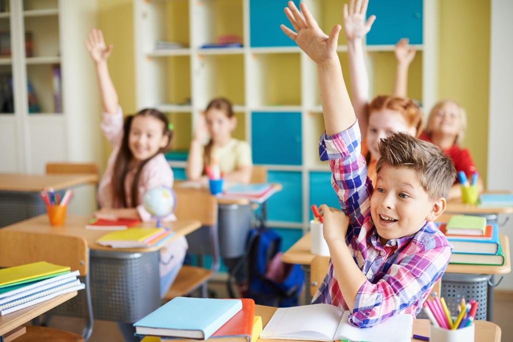 Готовясь к урокам дома, дети учатся главному – самоорганизации и самоконтролю