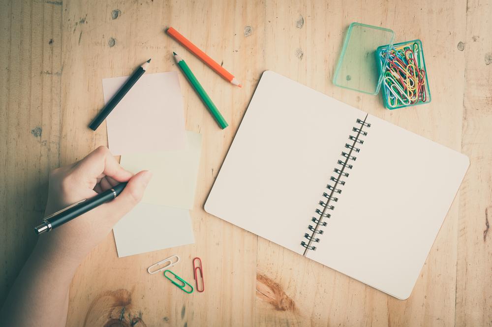 Организуйте учебное пространство под левшу