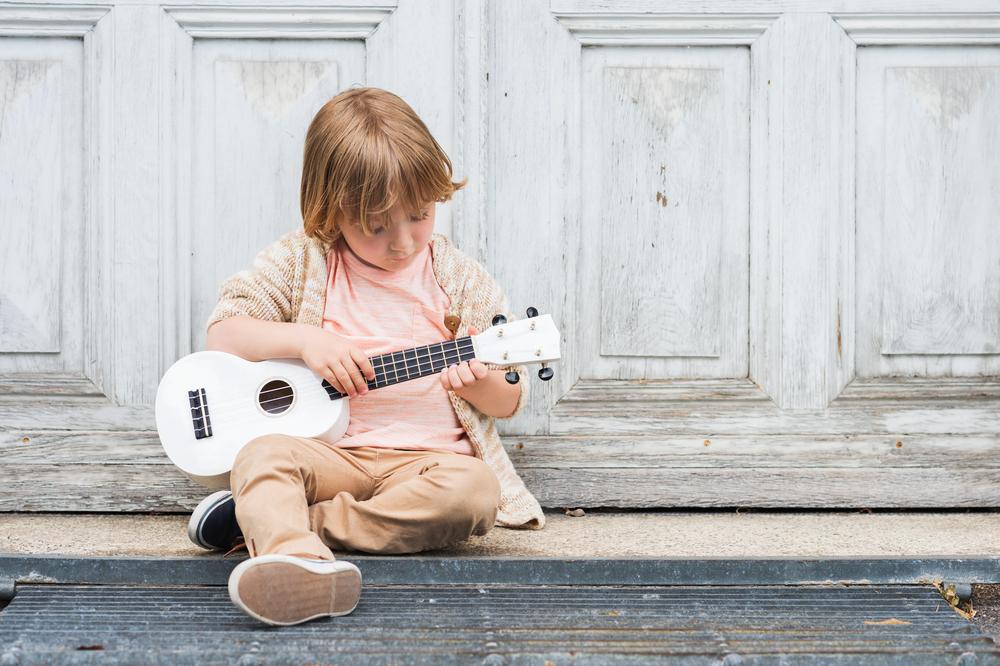Фортепиано, гитара или ударные: какой музыкальный инструмент выбрать ребенку?