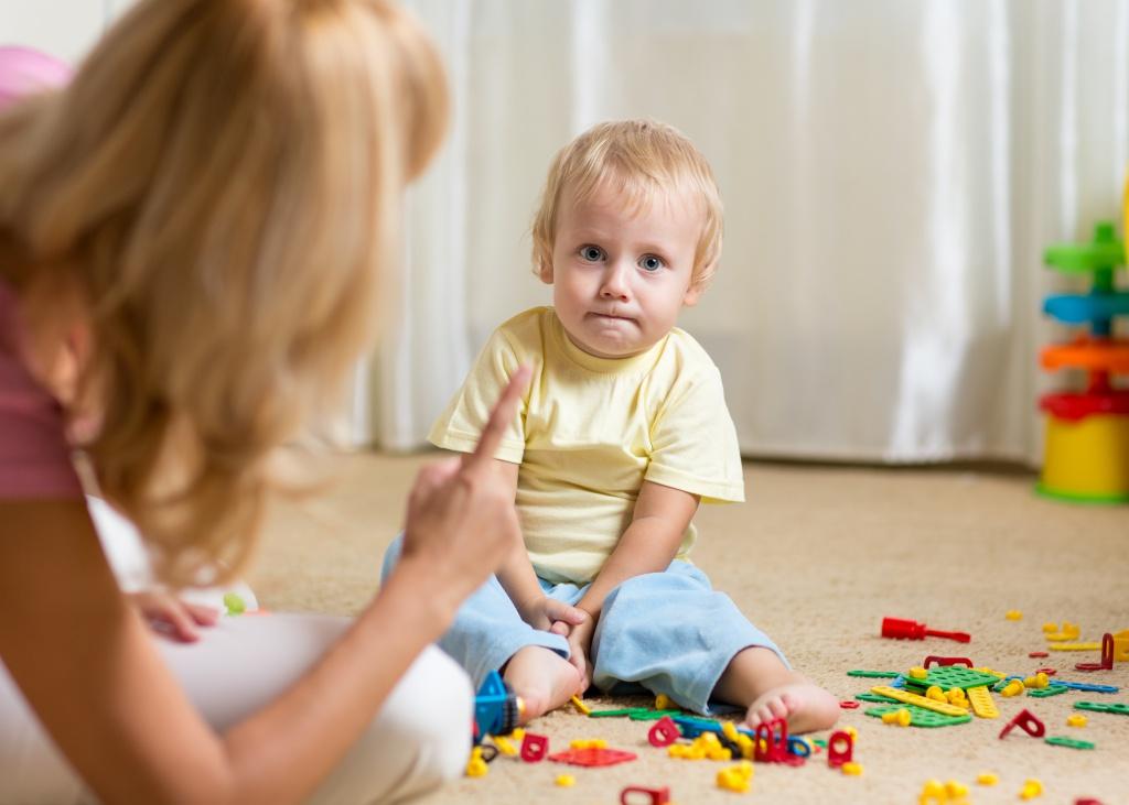 Почему с мамой дети ведут себя хуже, чем с другими?