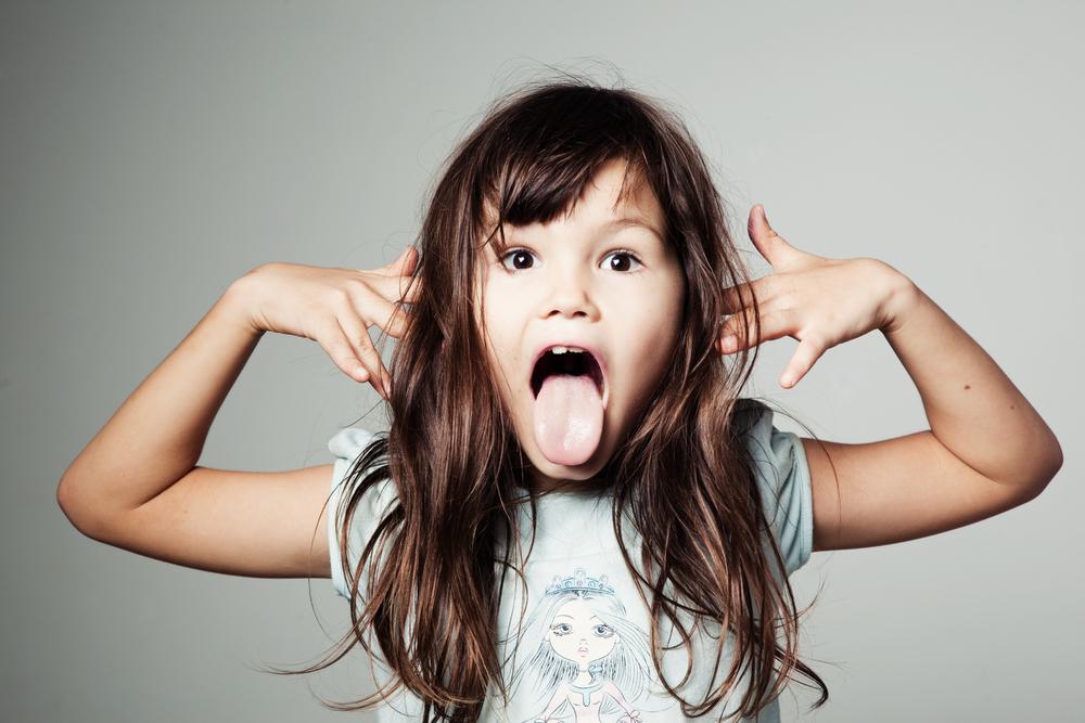 Что делать, если ребенок кривляется?