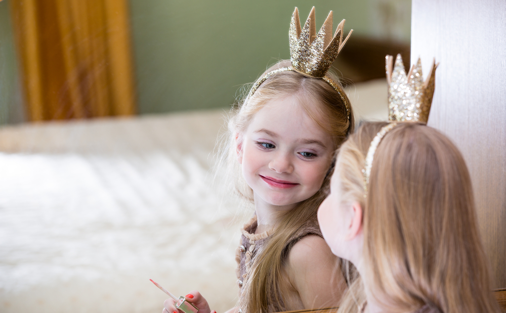 Игра в принцесс: как не испортить характер девочек?