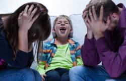 Что делать, если ребенок командует родителями